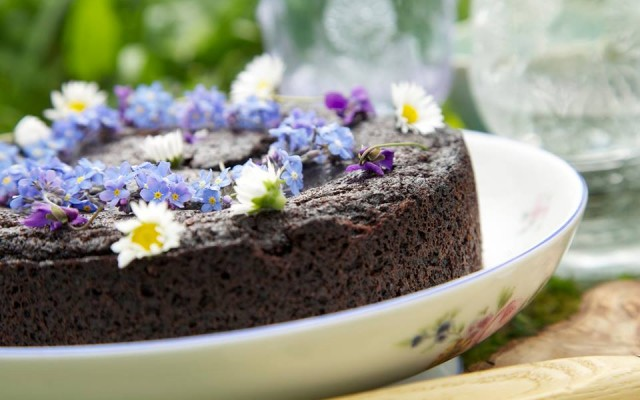 225 Chocolate goo cake copy